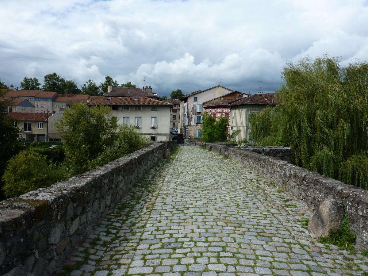 T1, rue de la Filature (Pont St Martial), Limoges  (Réf 224)